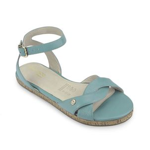 Sandalia-ideal-para-esos-dia-de-sol-color-celeste